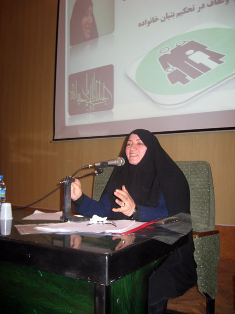 مهری سویزی مدير کل امور بانوان وزارت آموزش و پرورش